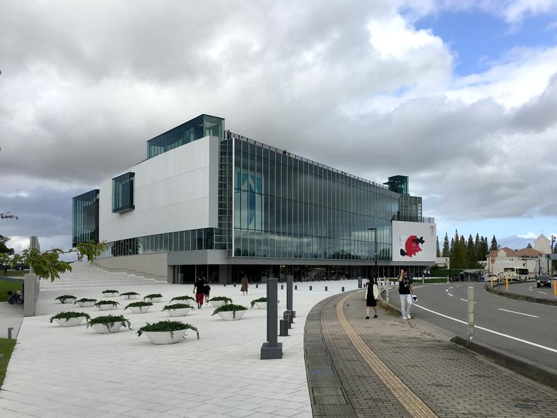 富山県美術館 外観